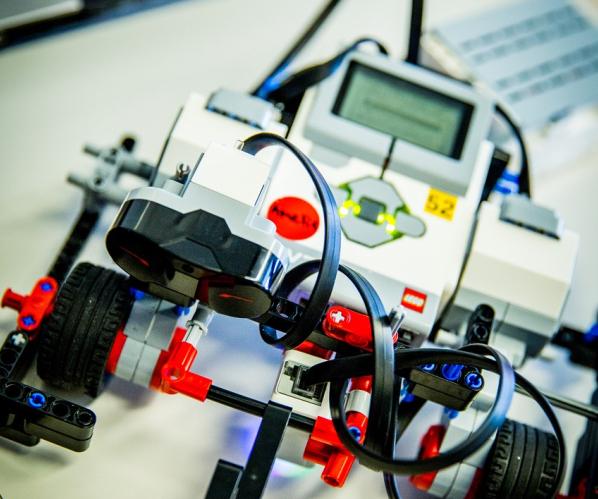 taller dissenya el teu robot