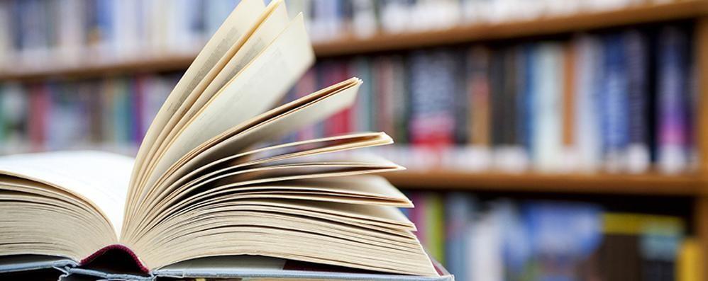 biblioteca_expo llibres documentals